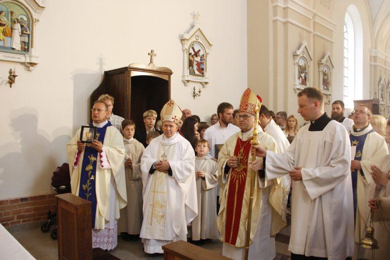 Molėtų parapijos bažnyčiai – 110