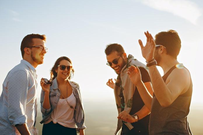 Draugystės per atstumą: kaip išmaniai palaikyti ryšį ar susirasti naujų draugų