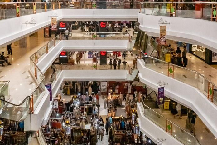 Prekybininkai užtikrina, kad yra pasirengę saugiai priimti klientus